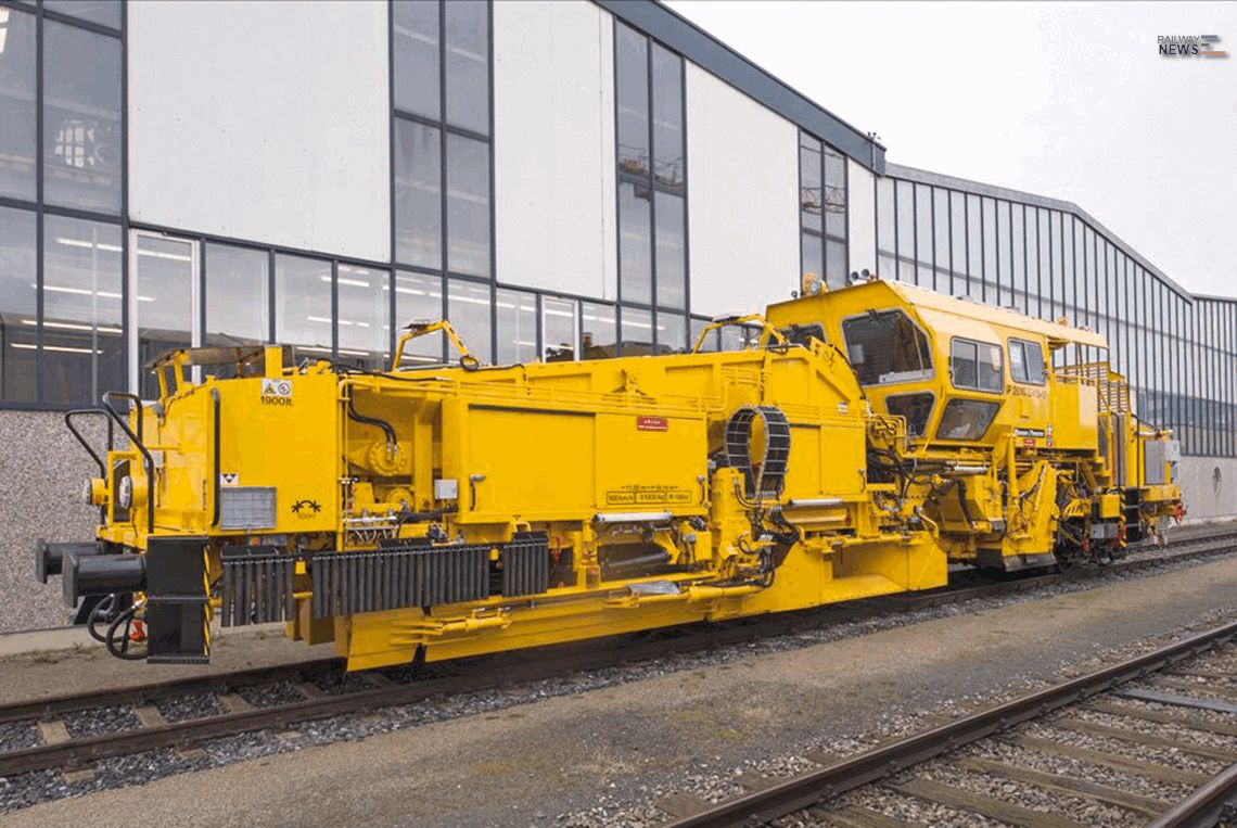 Polish Railways Buys Two Ballast Distributing and Profiling Machines